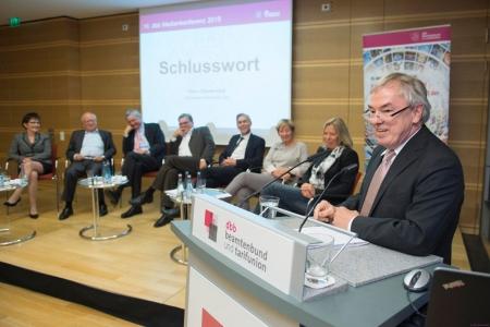 """10 SEP 2015, BERLIN/GERMANY: 10. dbb Medienkonferenz 2015 """"Programmgestaltung und Finanzierung - Die Zukunft der Oeffentlich-Rechtlichen"""", dbb Forum IMAGE: 20150910-02"""
